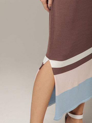 Платье в кофейном цвете прямого силуэта из шелка с вискозой, легкое и струящееся - фото 3