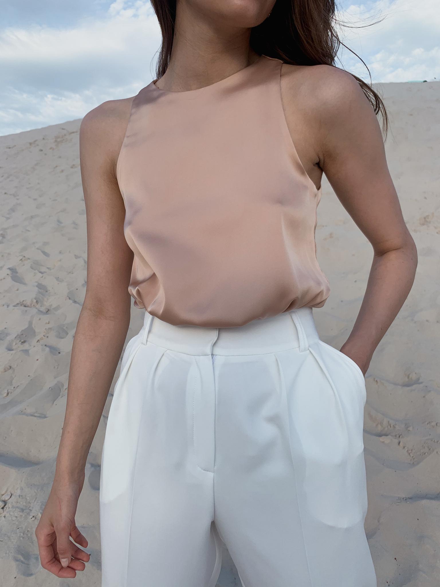 Майка шелковая с глубокой проймой (песочный)