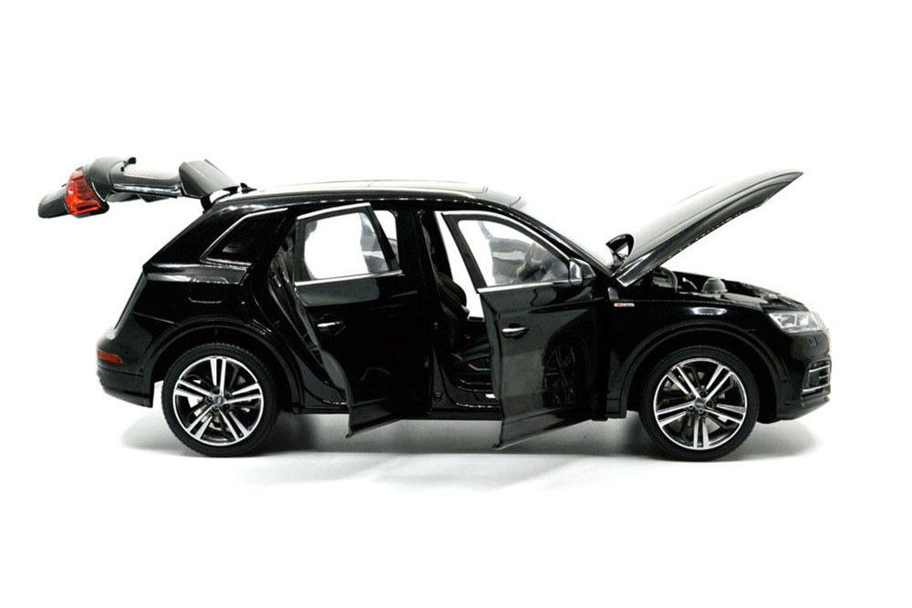 Коллекционная модель AUDI Q5 L 2019 BLACK.