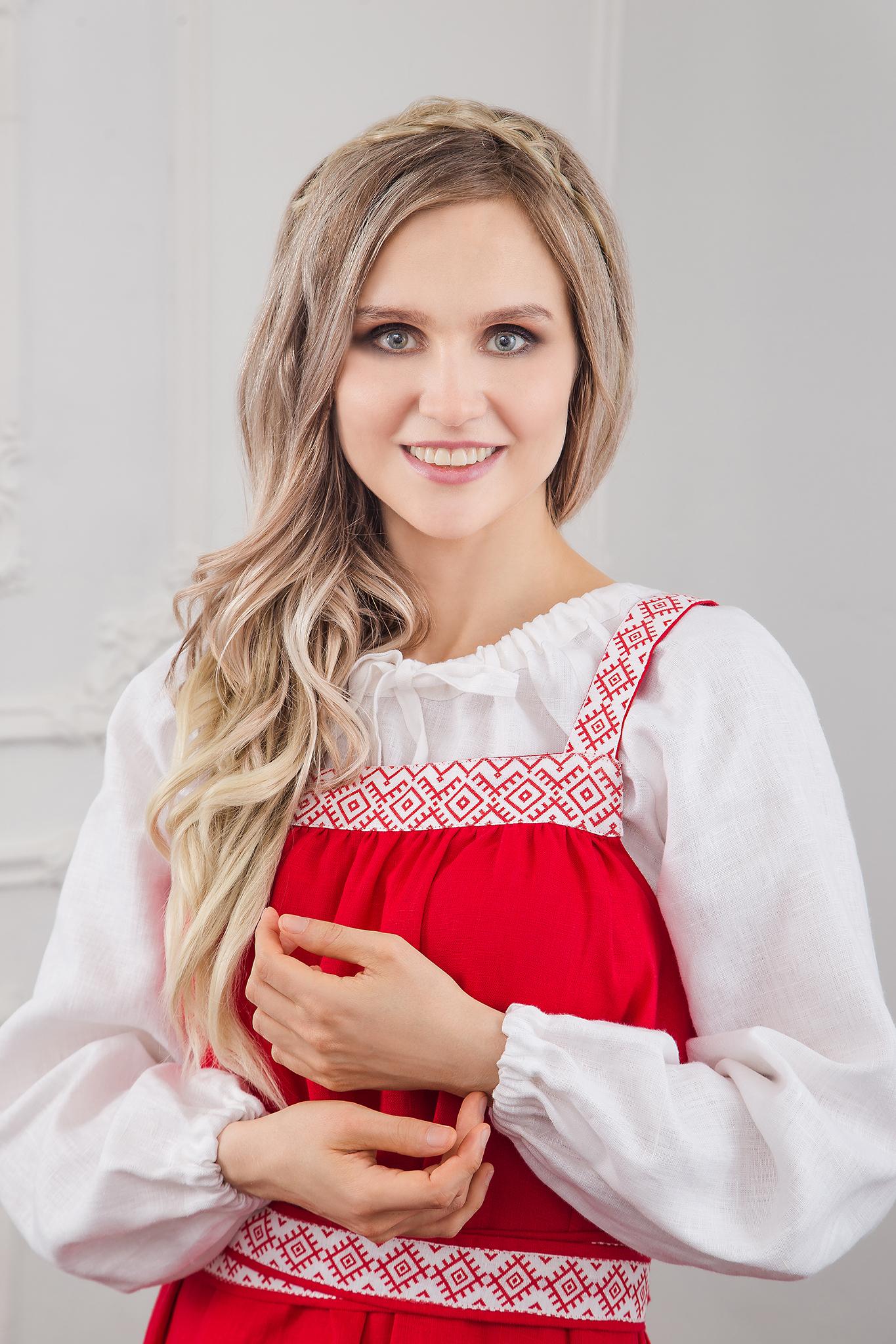 Блуза белая на завязках с сарафаном Русская краса