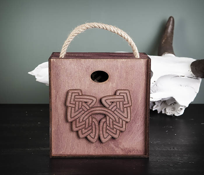 BOX217-3 Фиолетовая фирменная коробка с ручками (17*17*10 см) фото 02