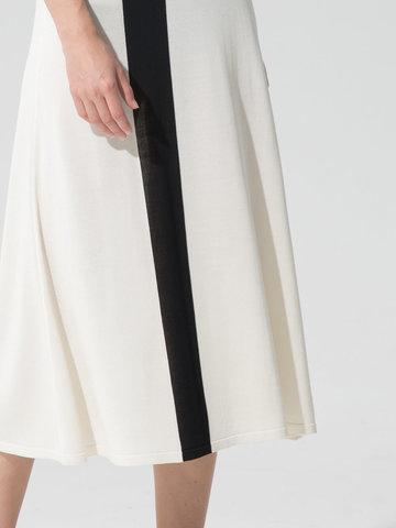 Женская юбка молочного цвета с контрастной полосой из шелка и вискозы - фото 3
