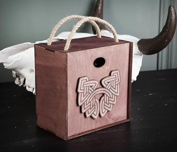 BOX217-3 Фиолетовая фирменная коробка с ручками (17*17*10 см) фото 03