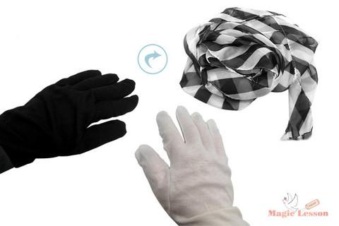 Перчатки превращаются в шарф