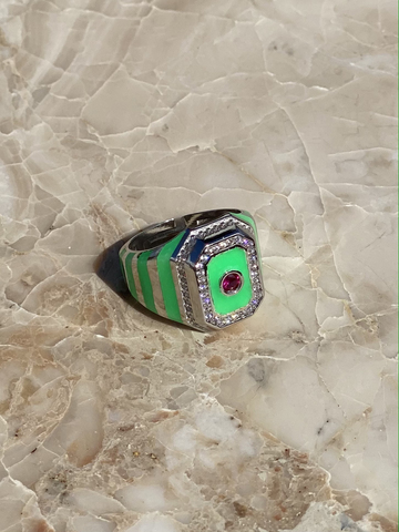 Signet ring in gold plated silver with green enamel stripes