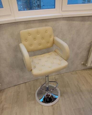 Барный стул-кресло Gregor / Грегор (стул визажиста, бровиста)