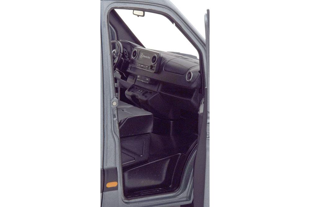 Коллекционная модель Mercedes-Benz SPRINTER BOX WAGON 2018 METALLIC GREY