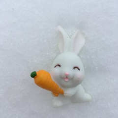Молд «Зайка в морковкой»