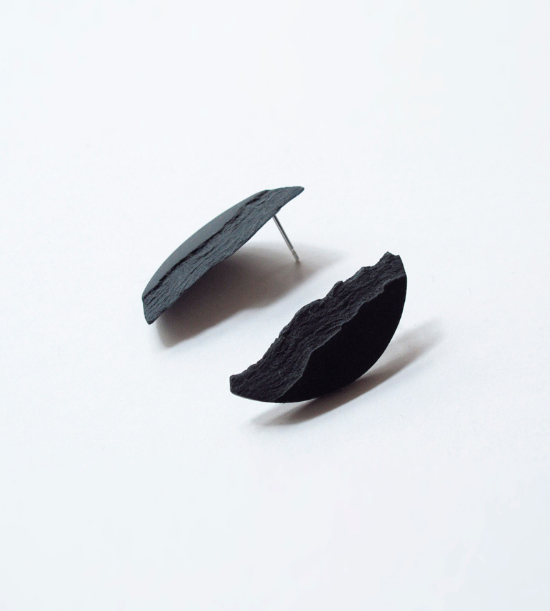 Серьги Curve Black Medium от DSNU