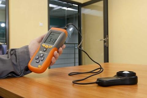 Измерения параметров естественной и искусственной освещенности, КЕО