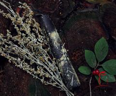 Катаная свеча с серебряной полынью