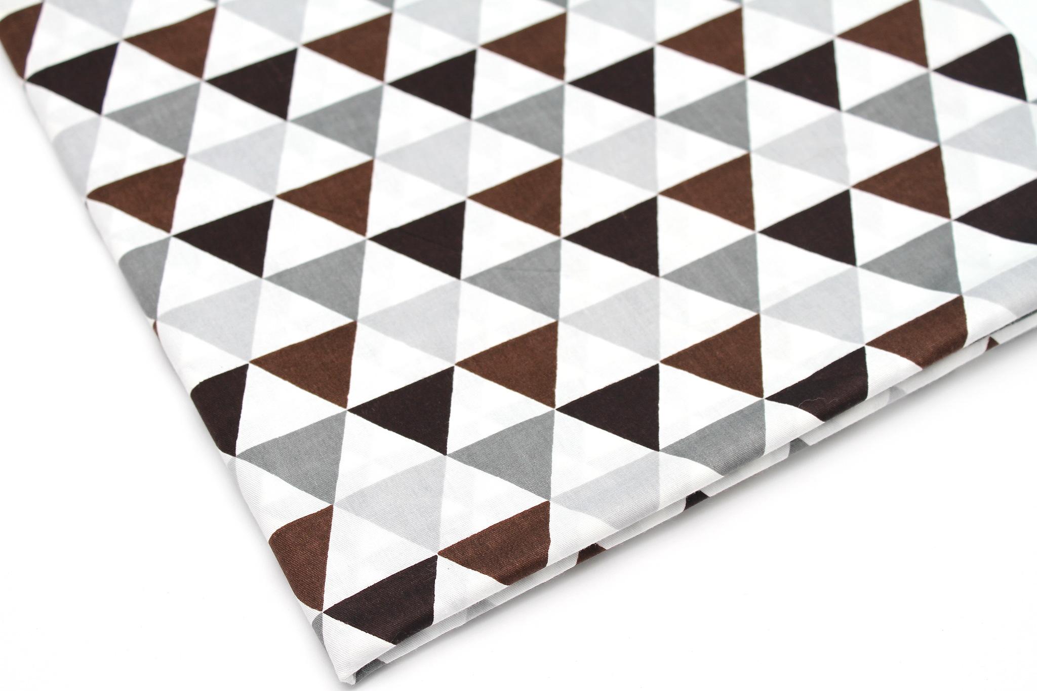 Треугольники серо-коричневые