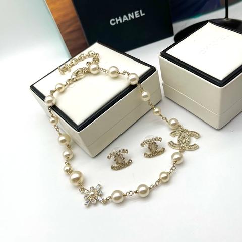 Колье и серьги Chanel
