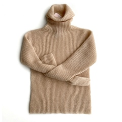 Шерстяной свитер водолазка