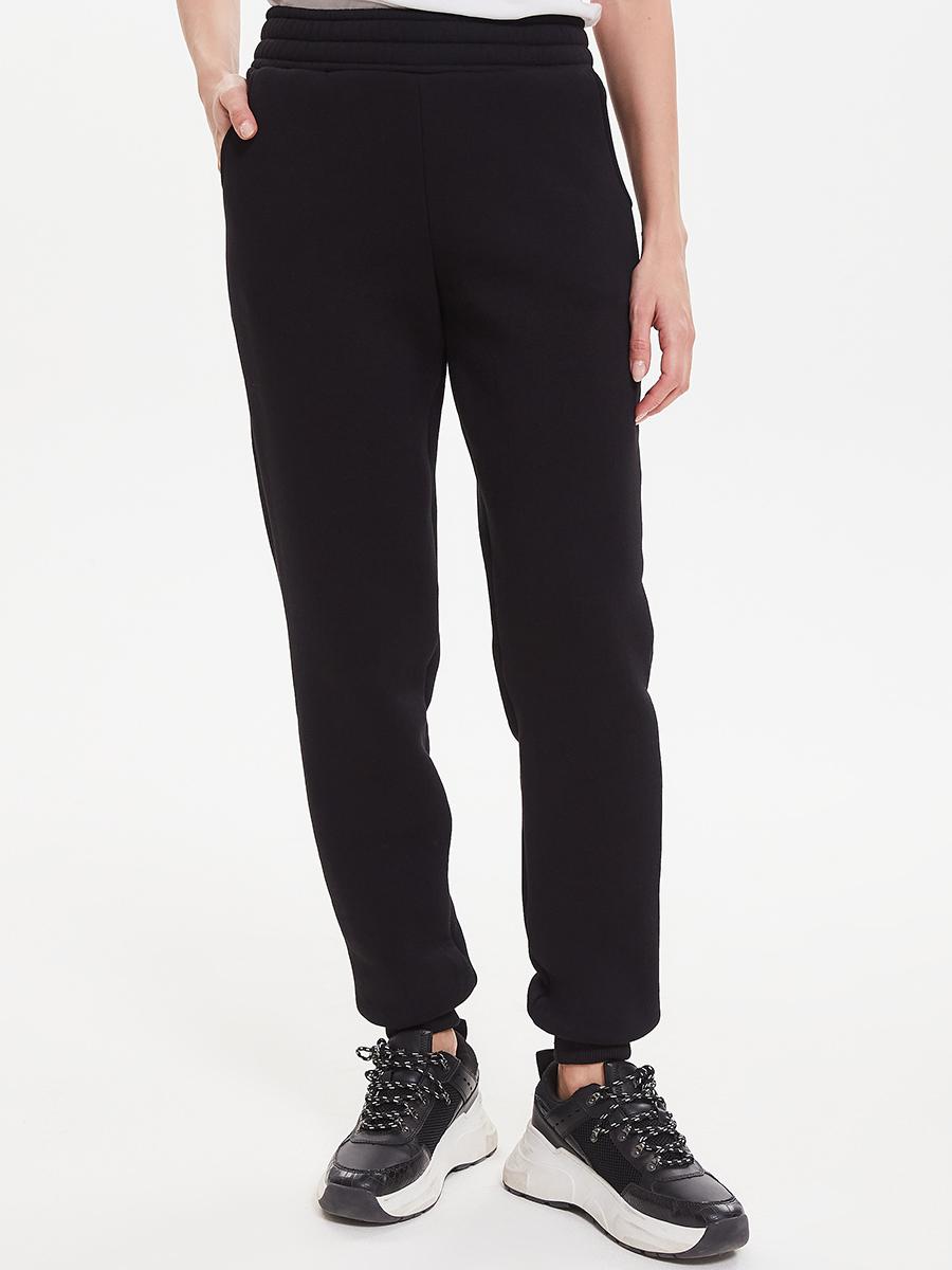 Утепленные брюки-джоггеры Brandmania насыщенного черного цвета с мягким хлопковым начесом внутри