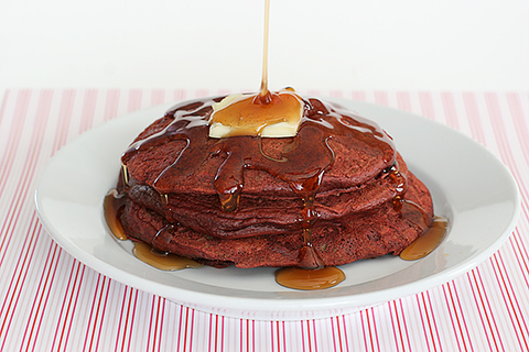 https://static-sl.insales.ru/images/products/1/964/28419012/Red_Pancakes.jpg