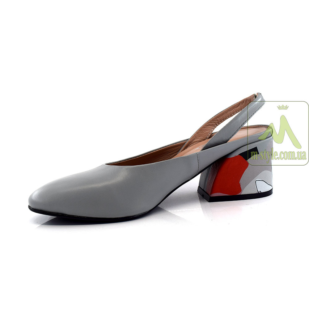 Туфлі Alvito.