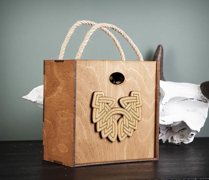 BOX217-2 Деревянная коробка с ручками с логотипом Бороды (17*17*10 см) фото 02