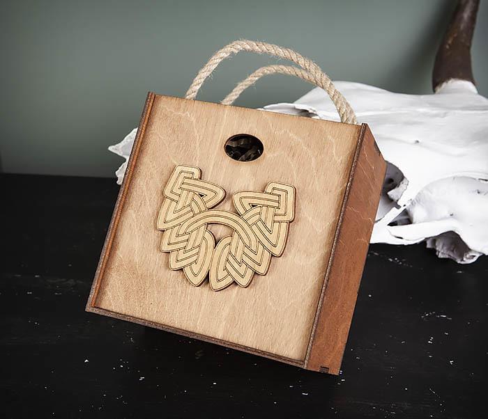 BOX217-2 Деревянная коробка с ручками с логотипом Бороды (17*17*10 см) фото 03