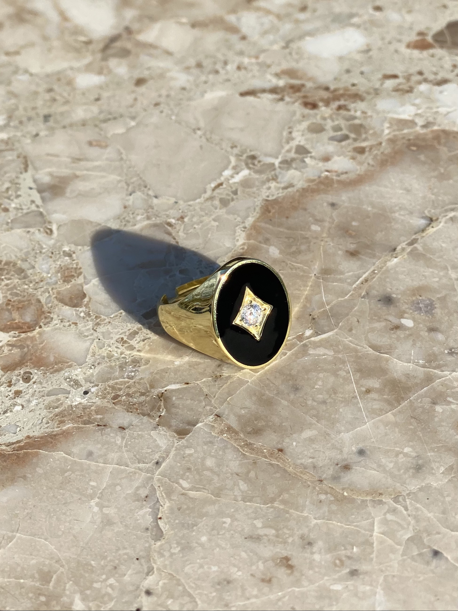 Signet ring in gold plated silver and black enamel