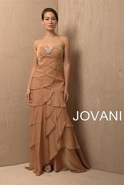 Jovani 6655 Нарядное платье в пол, лиф украшен рисунком из камней, юбка длинная с продольными воланами