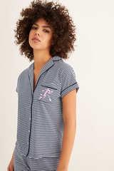 Піжама сорочкового типу в смужку зі штанами капрі