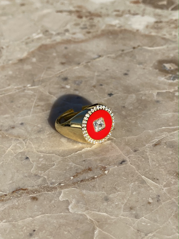 Round signet ring in gold plated silver and red enamel
