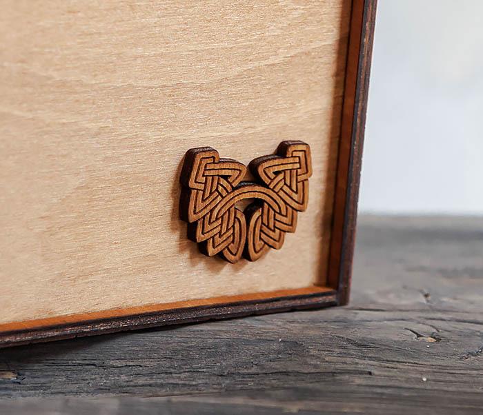 BOX231-2 Подарочная коробка формата А6 из дерева (19*15*6 см) фото 04