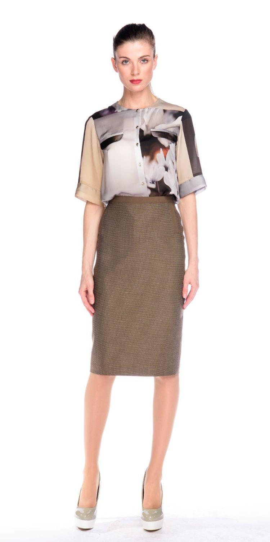 Блуза Г572-304 - Свободная принтованная блуза с рукавами до локтя. Отлично смотрится на фигуре любого типа, подойдет как для офиса для так и на каждый день.