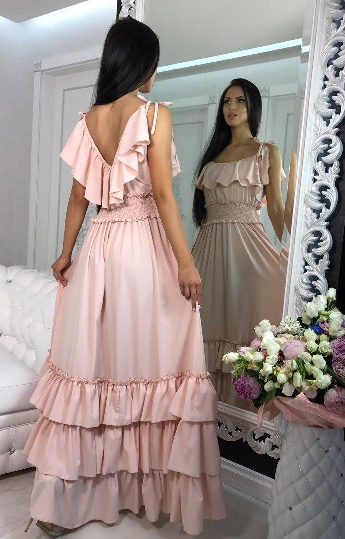 Длинное летнее платье с воланами, нежно-персикового цвета