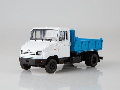 ZIL-MMZ-2502 tipper 1:43 Legendary trucks USSR #32