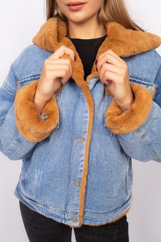 Джинсовая куртка с мехом коричневого цвета Nadya