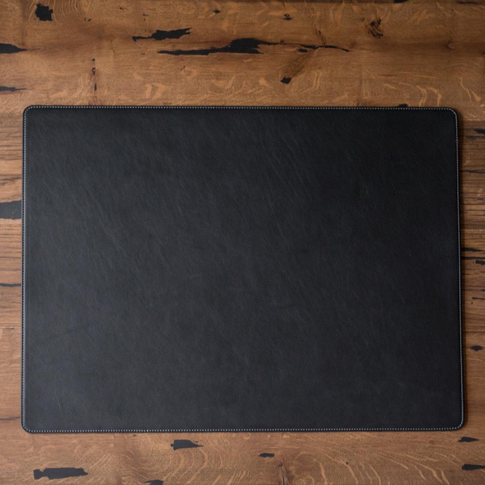 Коврик большой из натуральной кожи теленка, черного цвета